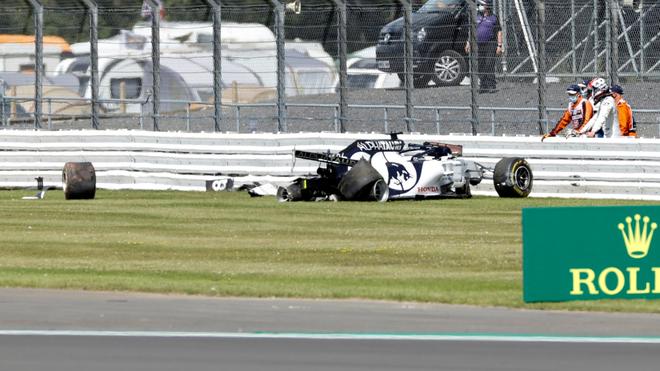 Kvyat, fuera de la pista de Silverstone.