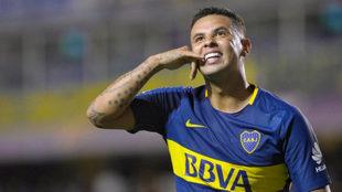 Cardona celebra un gol con Boca