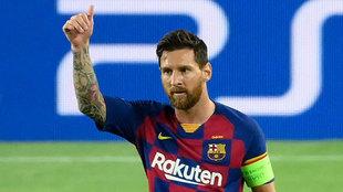 Leo Messi gesticula ante el Napoli