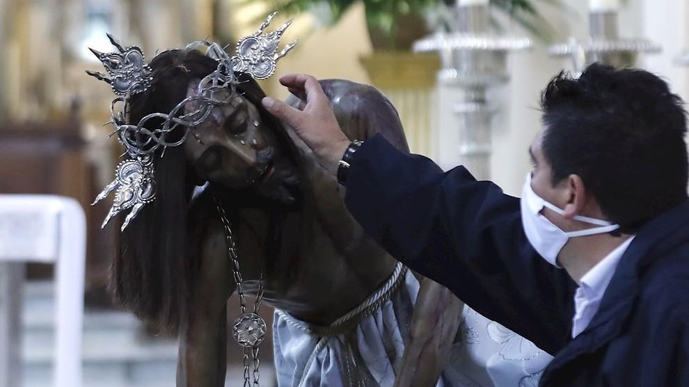 El Señor Caído de Monserrate peregrina por Bogotá para que acabe la pandemia