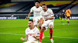Lucas Ocampos festeja el gol del triunfo.