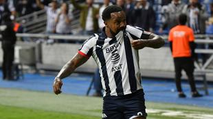 Dorlan Pabón celebrando uno de sus goles con Monterrey.