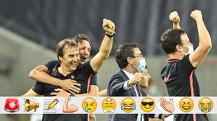Lopetegui y sus jugadores celebran el paso a la final.