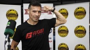 Martínez ,ex campeón mundial de los pesos superwelter y mediano,...