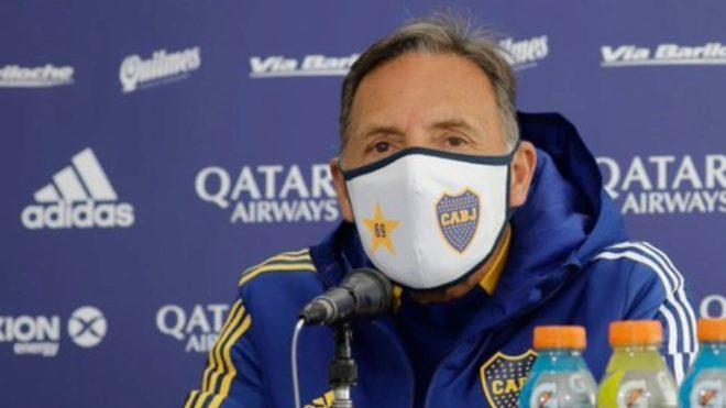 Miguel Ángel Russo, en una conferencia de prensa.