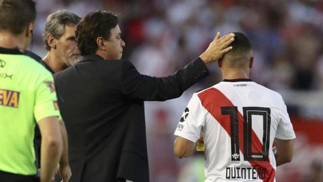Marcelo Gallardo y Juan Fernando Quintero, durante un partido.
