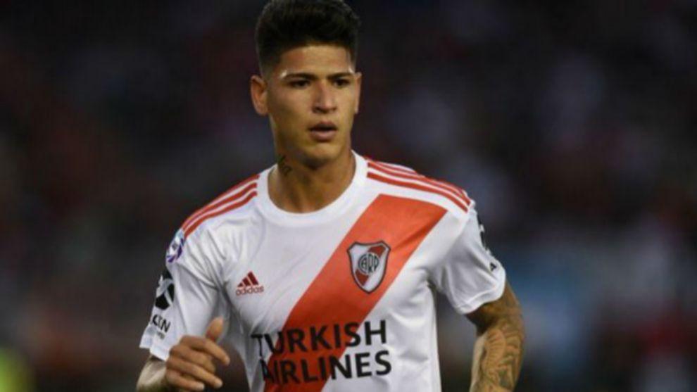 Jorge Carrascal durante un encuentro con River Plate.