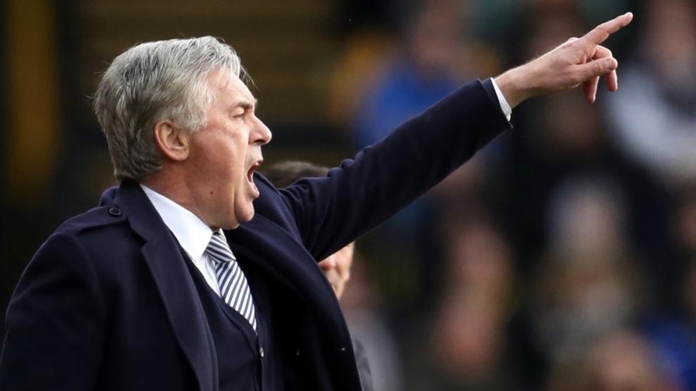 Carlo Ancelotti se la juega toda con James Rodríguez en el Everton