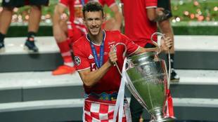 Perisic, con la Champions League conquistada con el Bayern