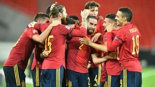 Jugadores de la Selección de España celebran el gol ante Alemania.
