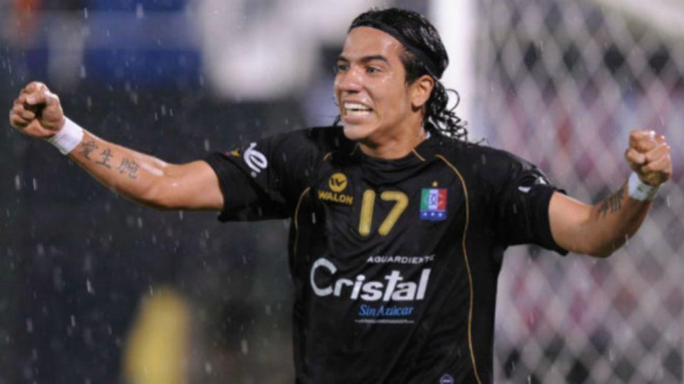 Dayro Moreno, cerca de volver a vestir los colores del Once.