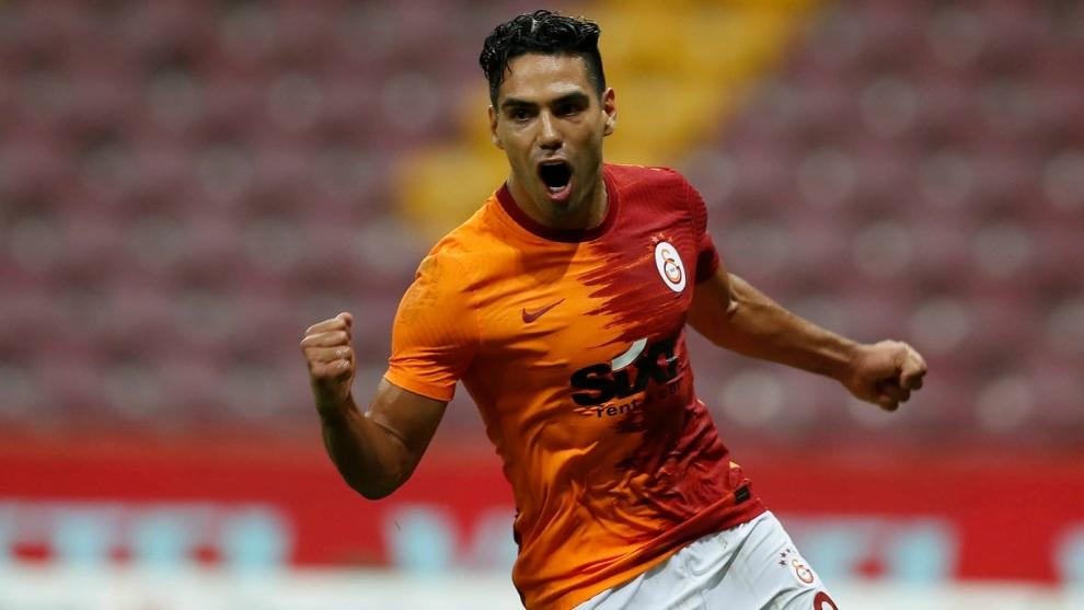 Radamel Falcao García celebra un gol contra el Gaziantep.