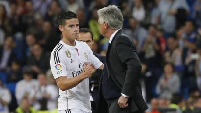 Ancelotti felicita a James tras sustituirle en un partido con el Real...