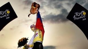 Tour de Francia: Tadej Pogacar en el podio