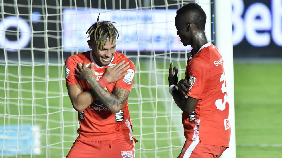Duván Vergara celebra su gol contra el Bucaramanga.