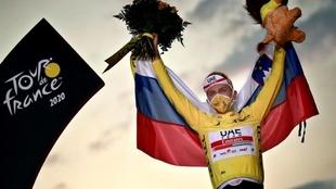 Tour de Francia: Tadej Pogacar en el podio de la carrera