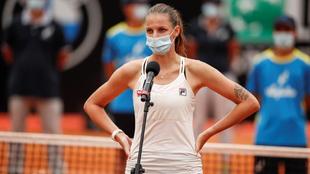 KArolina Pliskova, tras retirarse en la final de Roma.
