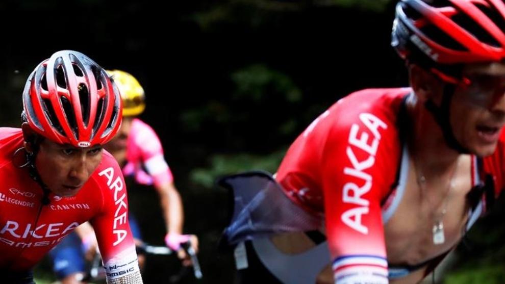 Tour de Francia: Nairo Quintana y uno de sus compañeros durante la...