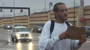 Delonte West pidiendo dinero en la calle en Dallas