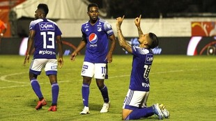 Victoria de Millonarios 2-1 sobre Envigado.