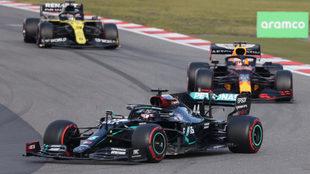 Lewis Hamilton, Max Verstappen y Daniel Ricciardo, en GP de Eifel.
