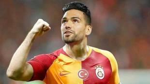 Radamel Falcao García celebra un gol con el Galatasaray