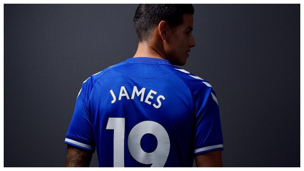 James Rodríguez se consolida como la nueva estrella del Everton.