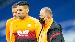 Falcao y Fatih Terim, en una práctica del Galatasaray.