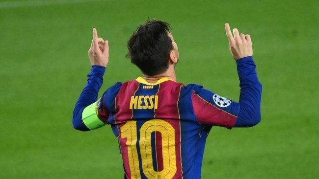 Messi celebra su gol de penalti al Ferencvaros