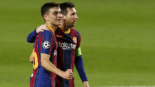 Pedri celebra su gol junto a Messi