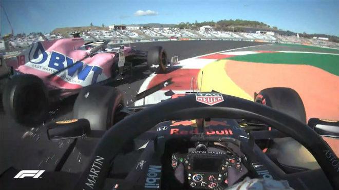 El momento del choque entre Stroll y Verstappen en la primera curva de...