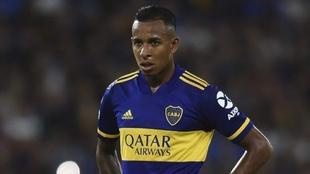 Continúa incierto el futuro de Sebastián Villa en Boca.