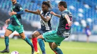 Avilés Hurtado, en un partido con Monterrey.