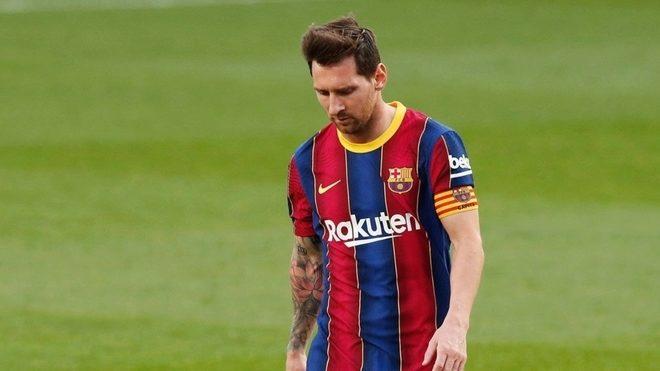 Messi, cabizbajo, tras perder con el Real Madrid