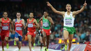 Taoufik Makhloufi se impone en los 1.500 de los Juegos de Londres...