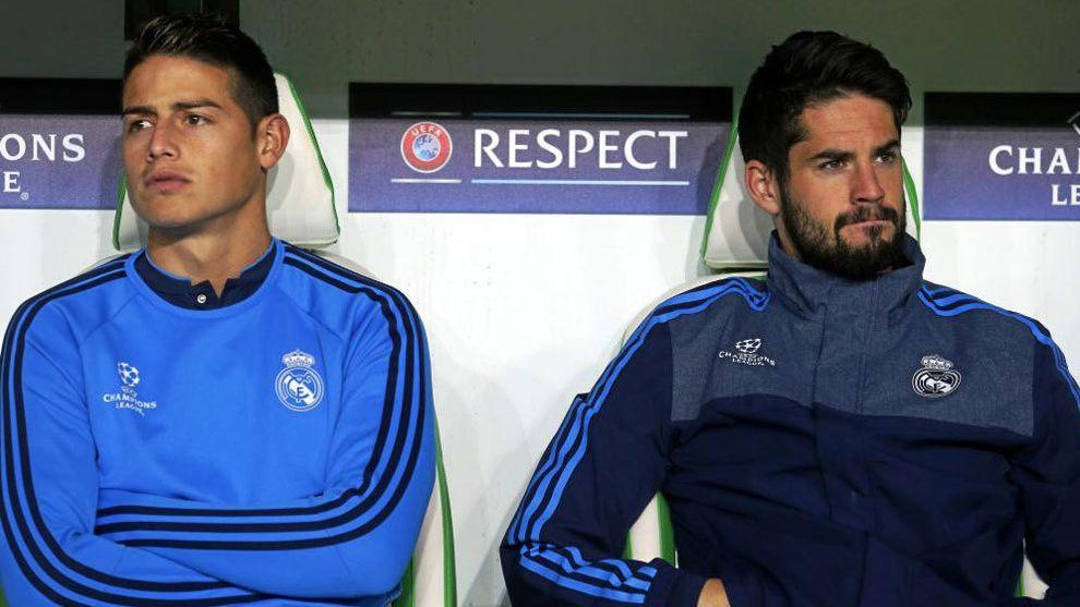 James Rodríguez e Isco Alarcón en el banquillo del Real Madrid.