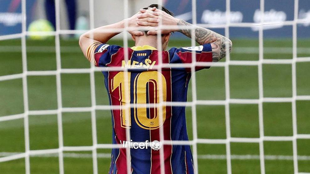 Leo Messi se lamenta en el último Clásico ante el Real Madrid