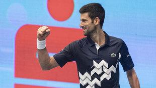 Novak Djokovic celebra ante Coric