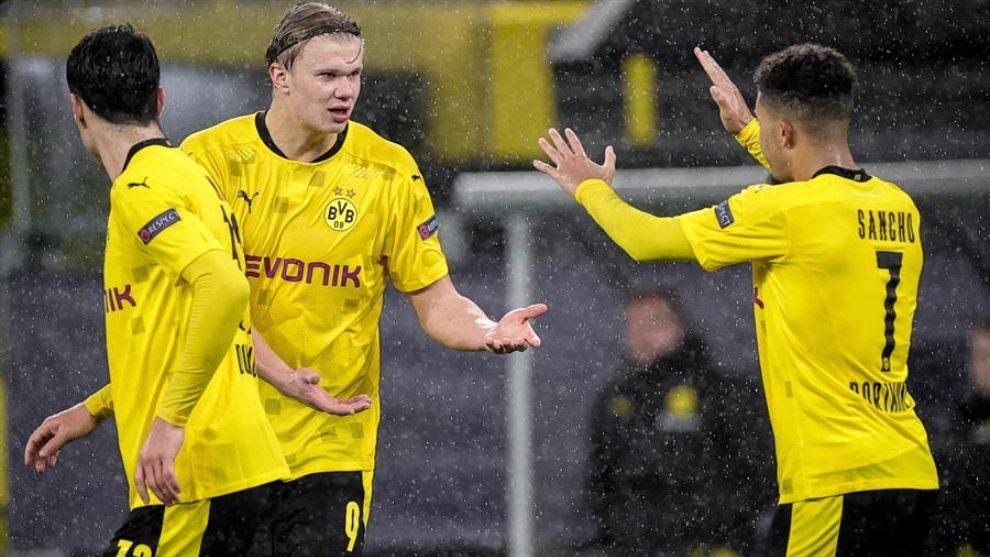 Haaland y Sancho celebran un gol ante el Zenit.