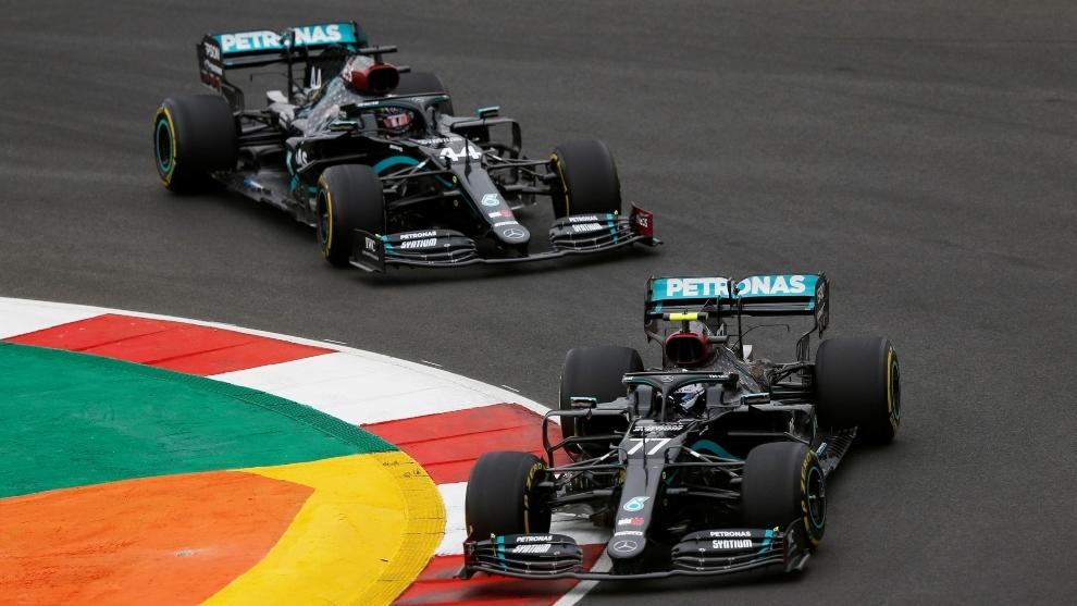 Hamilton y Bottas, durante un Gran Premio de Fórmula 1.