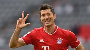 Lewandowski celebra un 'hat-trick' con el Bayern