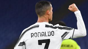 Cristiano levanta su puño en un compromiso con la Juve.