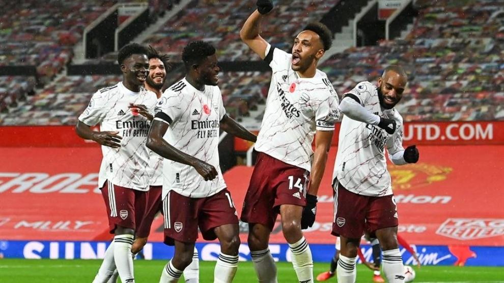 Aubameyang hunde más al Manchester United