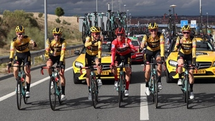 Equipo del Jumbo-Visma en la última etapa de la Vuelta a España...