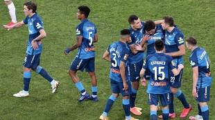 Jugadores del Zenit celebran un gol contra el Krasnodar.