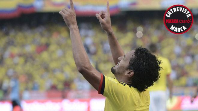 Abel Aguilar festeja su único gol en una Eliminatoria, curiosamente...
