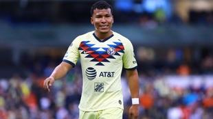 Roger Martínez, durante un partido con América de México.