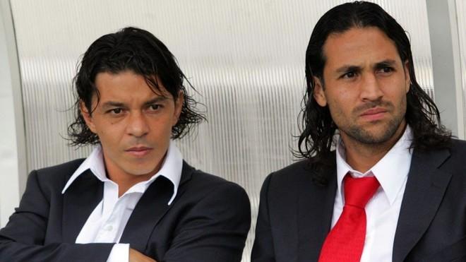 Marcelo Gallardo, junto a Mario Yepes.