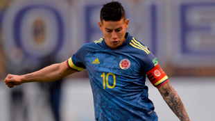 James Rodríguez, molesto por no ser capitán ante Uruguay.