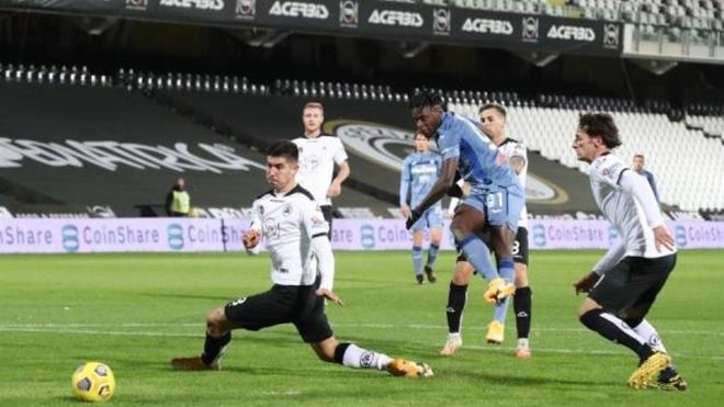 Atalanta y Spezia empatan sin goles.